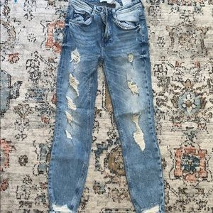 Zara TRF Distressed Ankle Jeans
